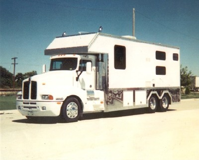 Custom Built Toters, ToterHomes + Trailers
